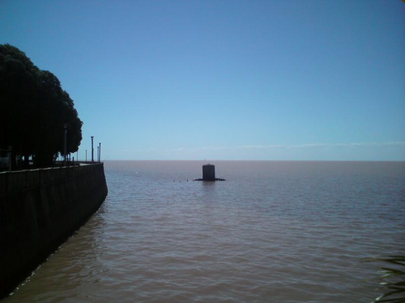 En la orilla del río